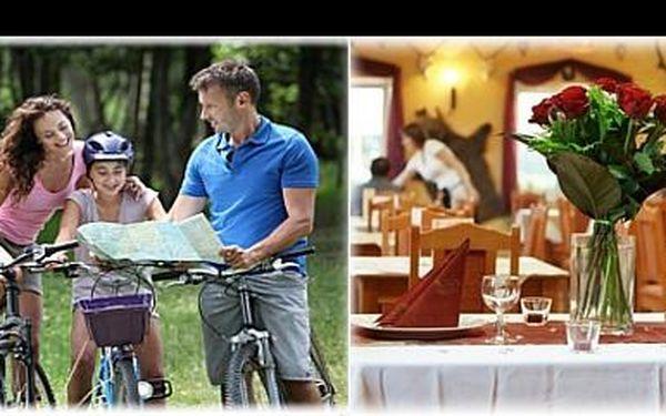 Užijte si 3 denní pobyt v blízkosti jezera Lhotka s písečnými plážemi, s ubytováním v Rezidenci Artemis se stylovou restaurací pro 2 s polopenzí za 1 620 Kč.