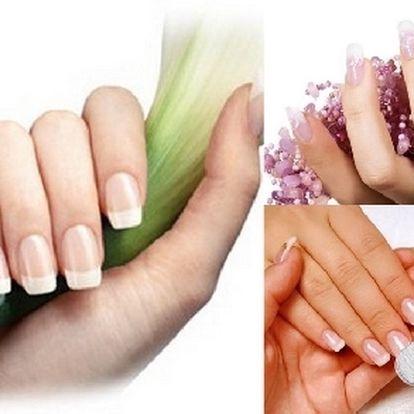 Skvělá sleva 67% na MODELACI GELOVÝCH NEHTŮ UV gelem + Bílá Francouzská manikúra za 189,-Kč!!!