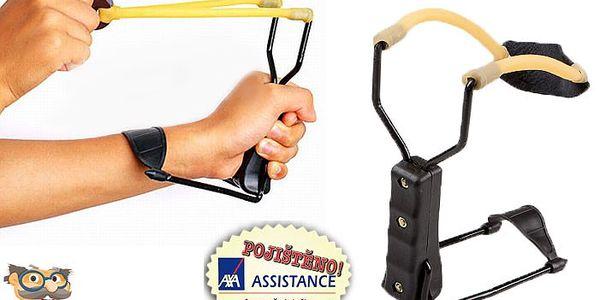 Sportovní prak pro zábavnou střelbu s kovovou vidlicí a opěrkou na zápěstí.