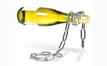 279 Kč za designový držák na víno. Láhev levitující na řetězu a vtipný dárek se slevou 52%.