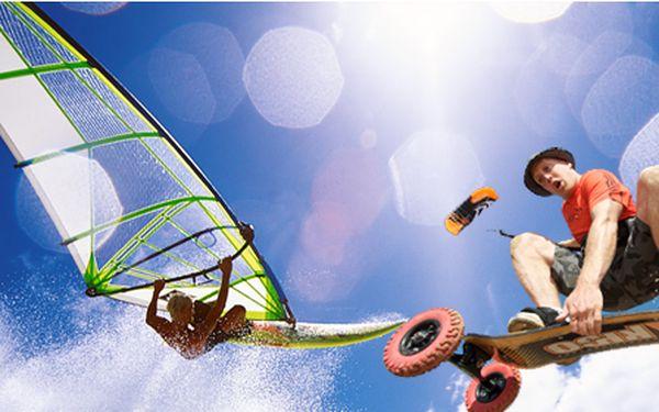 Celodenní kurz windsurfingu a kitingu u Nechranické přehrady včetně dopravy!