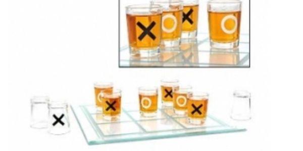 SLEVA 57%!! Konečně hra, která Vás zaujme! Alkoholové piškvorky - HIT KAŽDÉ PÁRTY! Letní cena 319 Kč!!
