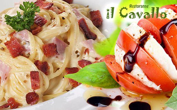 Dvě vynikající jídla z nabídky těstovin nebo salátů