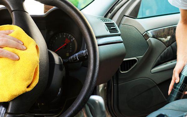 Kompletní čištění interiéru vašeho vozu