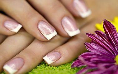 Gelová modeláž nehtů! Získejte krásné nehty a oslňte okolí pěstěným vzhledem!