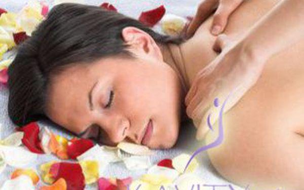 Zdravotně relaxační masáž zad a šíje včetně prohřátí relaxačními kameny jen za 190 Kč nebo masáž celého těla pouze za 300 Kč.