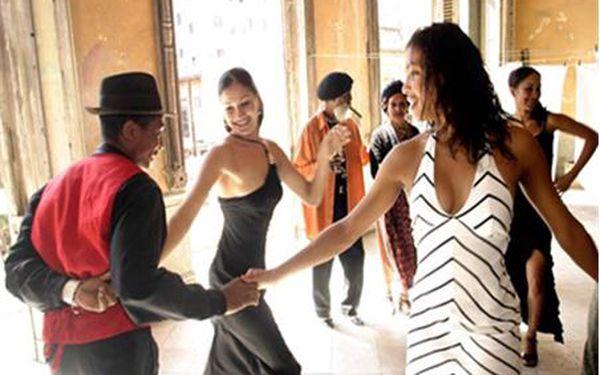 PŮLROČNÍ KURZ: LATINSKO - AMERICKÉ TANCE - Lákají Vás žhavé rytmy latinsko – amerických tanců? Rádi byste se tanci věnovali, ale nemáte odvahu? Tance můžete nejen poznat, ale sami si je vyzkoušet, zatančit, prožít a užít! A nemusíte shánět partnera - vystačíte si sami. Pro ženy i muže.