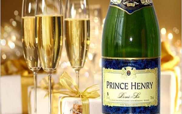 6 lahví luxusního francouzského šumivého vína Prince Henry Demi Sec za 414 Kč