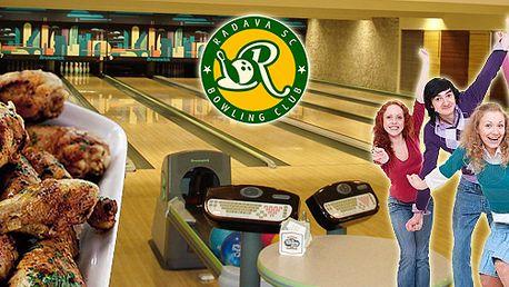 2 hodiny bowlingu a tác plný pečeného masa v bowling centru Radava!
