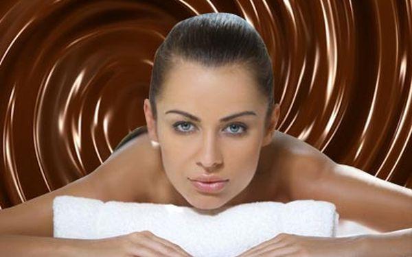 Čokoládová terapie v Relax studiu Hradčanská. Čokoládová masáž zad a čokoládový zábal nohou.