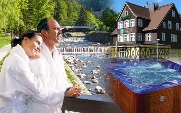 První lyžování - 3 wellnes romantické dny pro 2 osoby v centru Špindlerova Mlýna se saunou a vířivkou jen za 1990 Kč