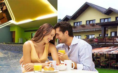 Třídenní romantický pobyt pro dva s polopenzí v hotelu Centrum v Harrachově!
