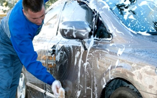 Kompletní mytí auta: výběr ze 3 špičkových čisticích programů! Již od 560 kč v automyčce forsage!!!!!!!!
