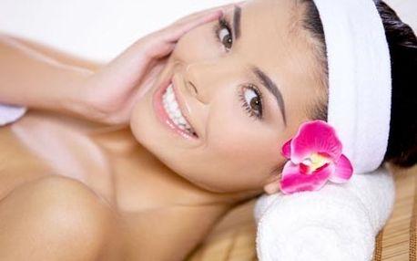 Hloubkové čištění ultrazvukovou špachtlí a regenerační mezoterapie pro hydrataci a zpevnění kontur obličeje.