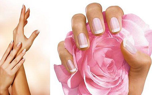 Japonská manikúra P-SHINE v centru Brna za 99 Kč. Dokonalé nehty a sametově hebká pokožku. P-shine je vhodný pro pány i dámy!