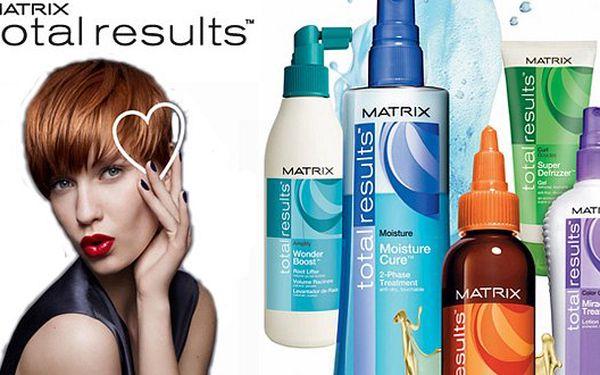 Dámský balíček pro KRÁTKÉ vlasy v Praze. BARVA nebo melír, módní střih, masáž, MATRIX Total Results, foukaná a styling za 420 Kč!