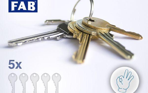 Výroba 5 klíčů za poloviční cenu – jen za 125 Kč! Už si nemusíte složitě předávat klíče mezi sebou nebo se bát jejich ztráty, vsaďte na více než 50% slevu a ušetřete si čas i peníze!