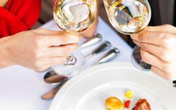 Romantický 4denní WELLNESS pobyt pro 2 v přepychových apartmánech penzionu PATRIOT v Orlických horách. Budete se cítit JAKO V RÁJI!