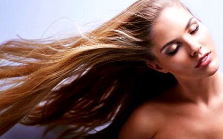 Kmenové buňky pro bohatší vlasy! Lékařem aplikovaná kúra oživí slabé nebo odumřelé vlasové kořínky!