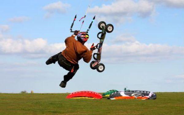 1,5hodinový kurz powerkitingu! Zažijte adrenalin a pocit svobody. Vhodné i pro děti!