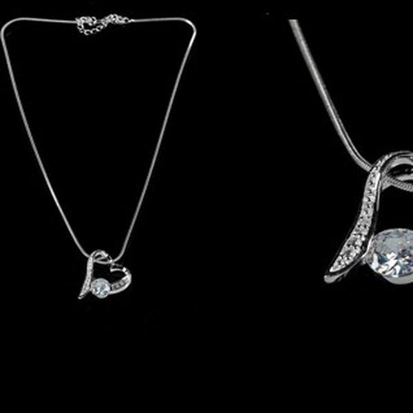 Elegantní náhrdelník s velkým kamínkem a malými kamínky potažený kvalitním stříbrem, díky flexibilnímu zapínání je možné zvolit jakoukoliv délku!