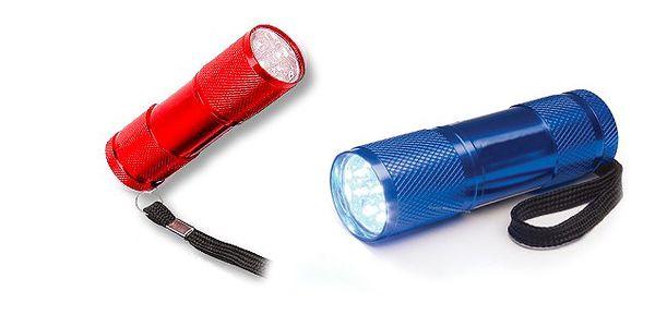 Duralová svítilna s 9 LED žárovkami a gumovým vypínačem, jasný svit po dobu 50 000 hodin, napájení 3 bateriemi AAA!
