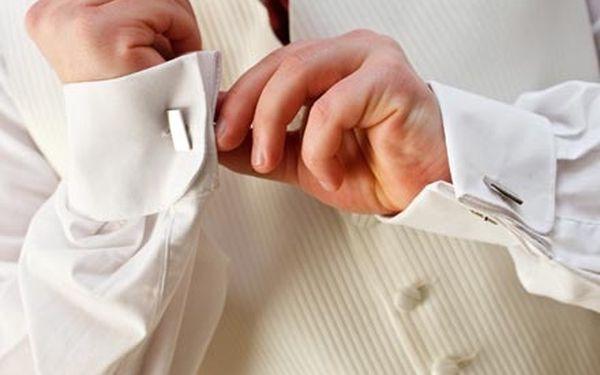 Vysoce profesionální manikúra pro muže s využitím luxusních přípravků CUCCIO NATURALÉ na Korunní.