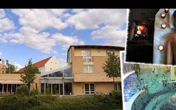 Dobijte si baterky na skvělém relaxačním pobytu CE Plaza Hotel**** u Balatonu. Pobyt zahrnuje ubytování na 6 dní pro dvě osoby, polopenzi a neomezený vstup do relaxačního centra. To vše jen za 8299 Kč!