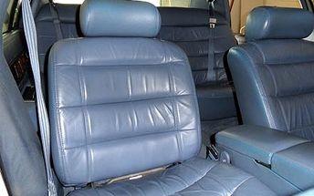 Kompletní čištění interiérů vozidel mokrou cestou, včetně skel, sedaček a zavazadlového prostoru na Pankráci.