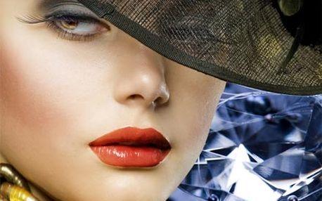 Regenerace, omlazení a prevence předčasného stárnutí pleti včetně peelingu Luxury Diamond a kolagenové masky.