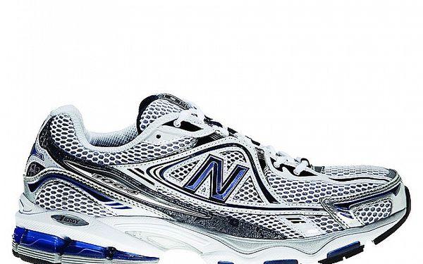 Pánské šedo-bílé běžecké boty New Balance s modrými detaily