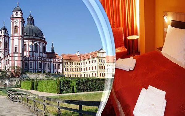 3 dny pro 2 osoby s polopenzí, saunou a vínem v Grand Hotelu Opera v Jaroměřicích nad Rokytnou.
