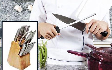 Sada nožů Tisster! Pořiďte si sadu 14 kvalitních nožů ve špalku i s poštovným.