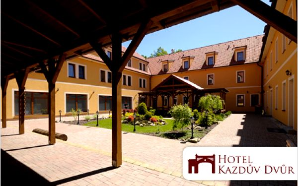 Relaxační wellness pobyt pro dvě osoby ve 4* hotelu Kazdův Dvůr za 3980 Kč.