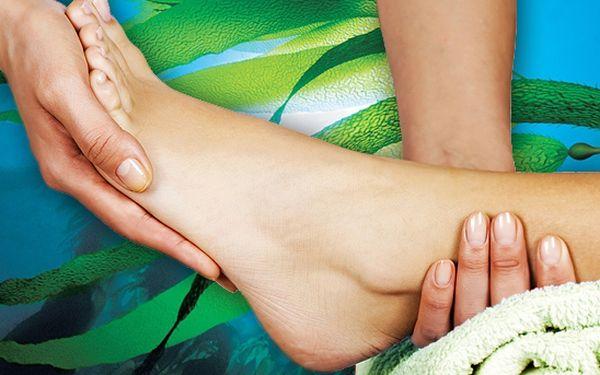 Regenerační masáž nohou se zábalem z mořských řas v délce 40 minut v ostravském Studiu Ivana s našlapanou 68% slevou! Vaše plosky a lýtka nebyly nikdy před tím tak uvolněné!