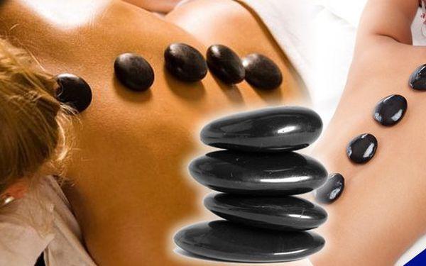 Hodinová luxusní masáž lávovými kameny - prohřátí celého těla za skvělou cenu 299 Kč!