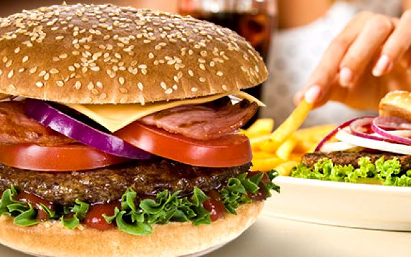 Dva 300g burgery Siesta s extra porcí hranolek