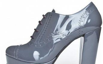 Dámské světle šedé lakované boty Scarpe Italiane na vysokém podpatku