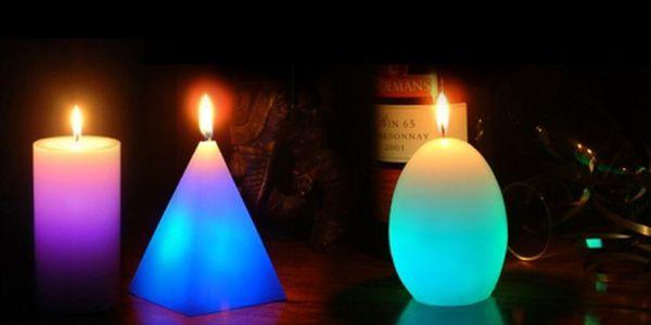 Unikátní kouzelná svíčka pro navození romantické atmosféry za skvělou cenu 99 Kč! Svíčka při zapálení svítí a mění barvy - originální dárek pro Vaši rodinu či přátele!