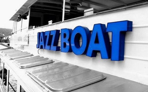 Jazzboat jen za 390 Kč! Spojení hudby, jídla a plavby lodí!