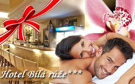 """3-dňový pobyt pre dve osoby v južných Čechách/Písek, Užívajte si jesennú atmosféru v Hoteli roka 2012 """"Hotel biela ruža"""" v centre Písku, s relaxačnou masážou, infrasaunou, raňajkami a fľašou vína...len za 90 €! Platnosť kupónov až do 25.4.2013!"""