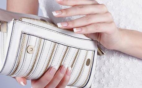 Profesionální modeláž nehtů, včetně bílé nebo barevné francie, či lakování praskacími laky ve Studiu Ambriel.