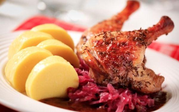 Chuť domácí české kuchyně! VEŠKERÁ JÍDLA v restauraci U Staré paní v historickém centru Prahy s 51% slevou!