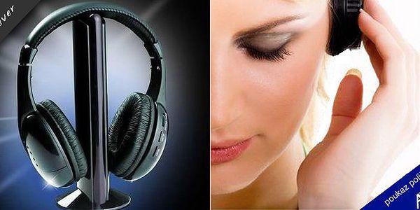 Multifunkční bezdrátová sluchátka 5v1 svestavěným FM rádiem, mikrofonem a funkcí pro monitorování. Dejte sbohem nepříjemným kabelům, které Vás jen omezují v pohybu.
