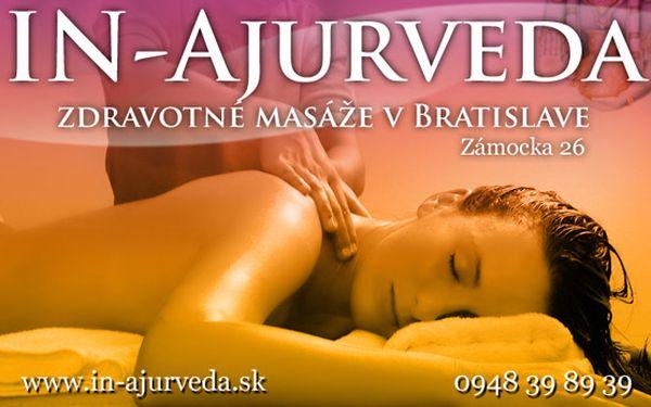 Ajurvédska jesenná ozdravovacia masáž, vykonávaná zdravotnými terapeutmi z Indie, Srí Lanky.