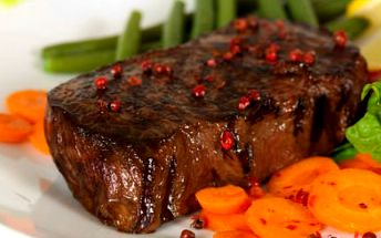 Pštrosí steaky PRO DVA! Ochutnejte s partnerem něco speciálního!