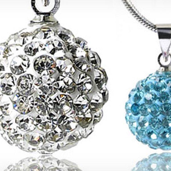 Barevná kulička s krystalky a řetízkem včetně pouzdra a poštovného!