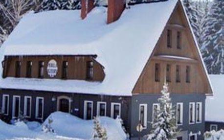 3denní zimní relax, lyžovačka & romantika pro 2–4 osoby se snídaní, vstup do sauny, láhev sektu – ***hotel perla jizery v jizerských horách