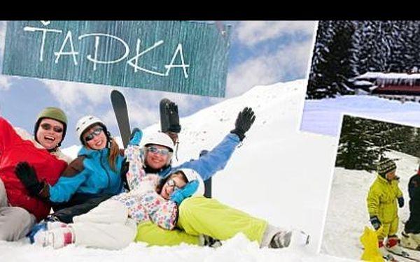 Objevte pohádkovou dovolenou uprostřed krkonošských lesů, v kouzelném údolí MALÁ ÚPA a prožijte dokonalé rodinné chvíle s dětmi, s ubytováním v horské CHATĚ ŤAPKA na 5 dní včetně PLNÉ PENZE, s dětskou lyžařskou školičkou a vlekem pro dospělé v areálu POMEZKY v bezprostřední blízkosti za 4 284 Kč.