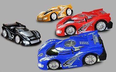 Exkluzívna hračka pre vaše dieťa ako vystrihnutá zo sci-fi! Autíčko na diaľkové ovládanie, ktoré jazdí i po stenách len za 15 €! Poštovné v cene!